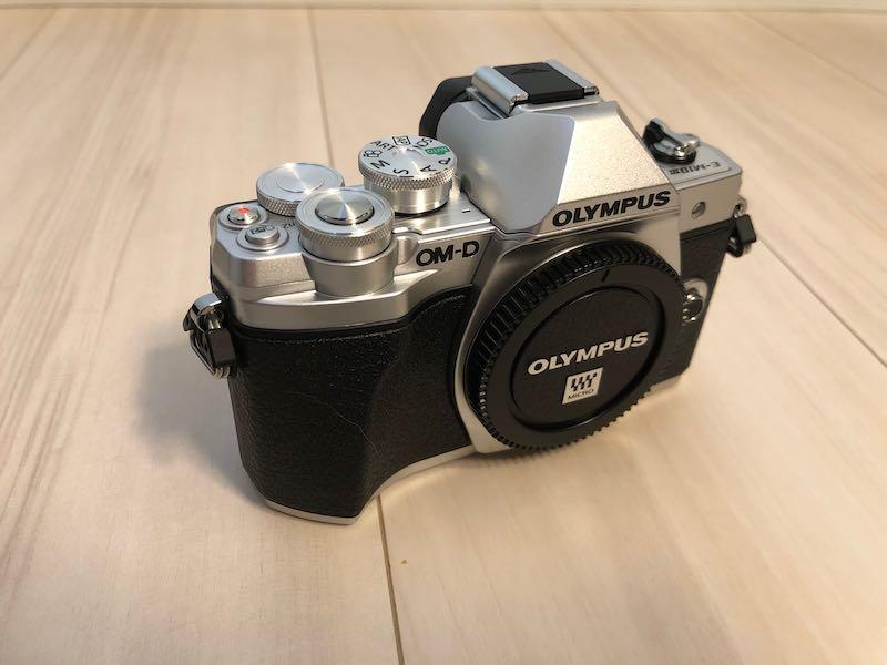 これでクルマの写真もバッチリ!オリンパスOM-D E-M10IIIを購入しました!